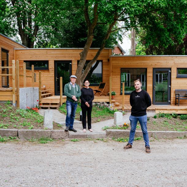 """Ein Arbeitsplatz im Grünen beim Coworking Space """"Cobaas"""" in Preetz"""