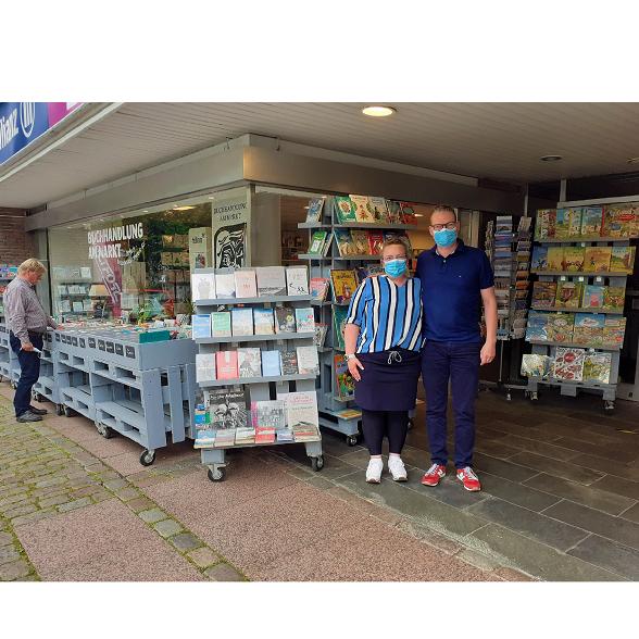 """""""Online kaufen - geht auch regional"""" bei der Buchhandlung am Markt in Lütjenburg"""